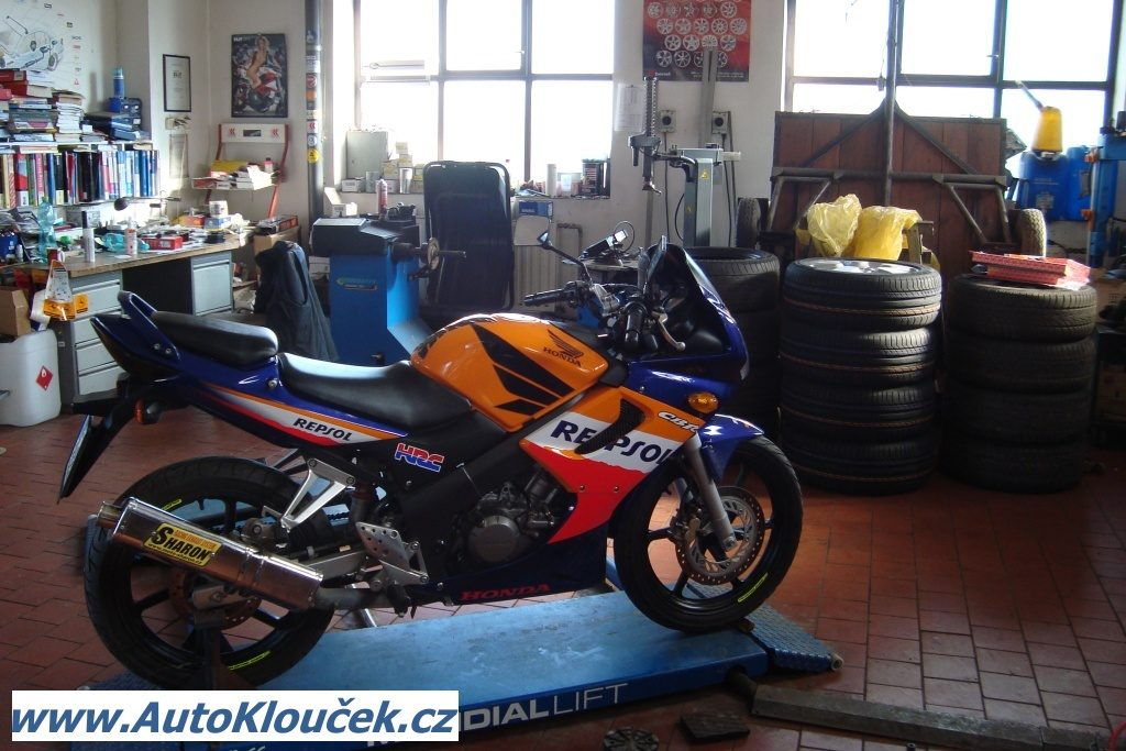 Repsol Honda CBR 125 R